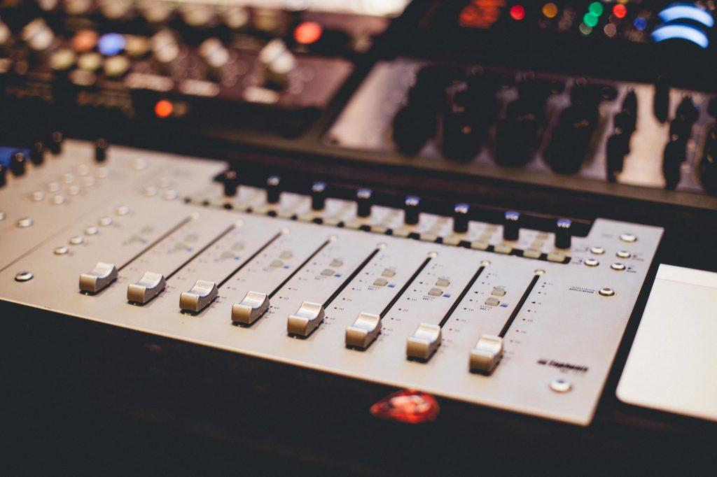 Geluidsapparatuur mixer - Gratis stockfoto's van StockSnap